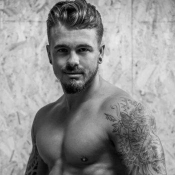 Stripteaseur Bruxelles Adriano