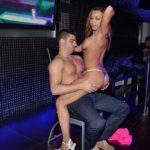 Stripteaseuse brûlage de culotte Bruxelles